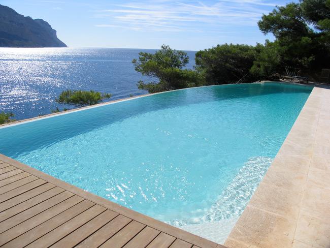 Realisations piscines prestige carrelages for Realisation piscine